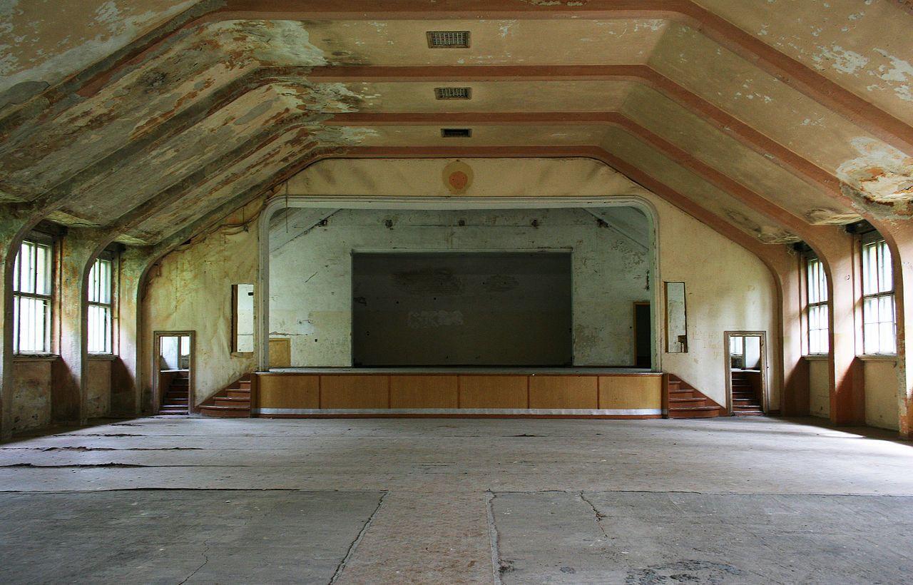 Theatersaal im Hindenburghaus - Olympisches Dorf (Berlin) – Wikipedia