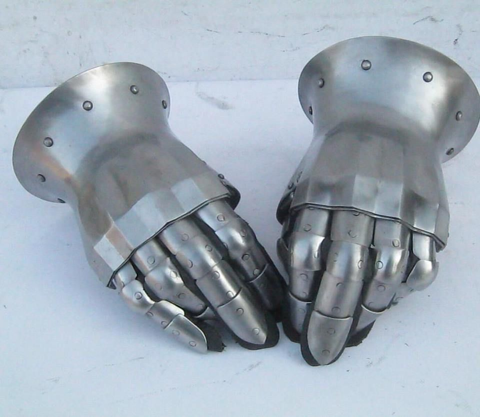 MEDIEVAL Knight LEATHER w// CHAIN MAIL GAUNTLET HAND ARMOR S M L XL One Pair New