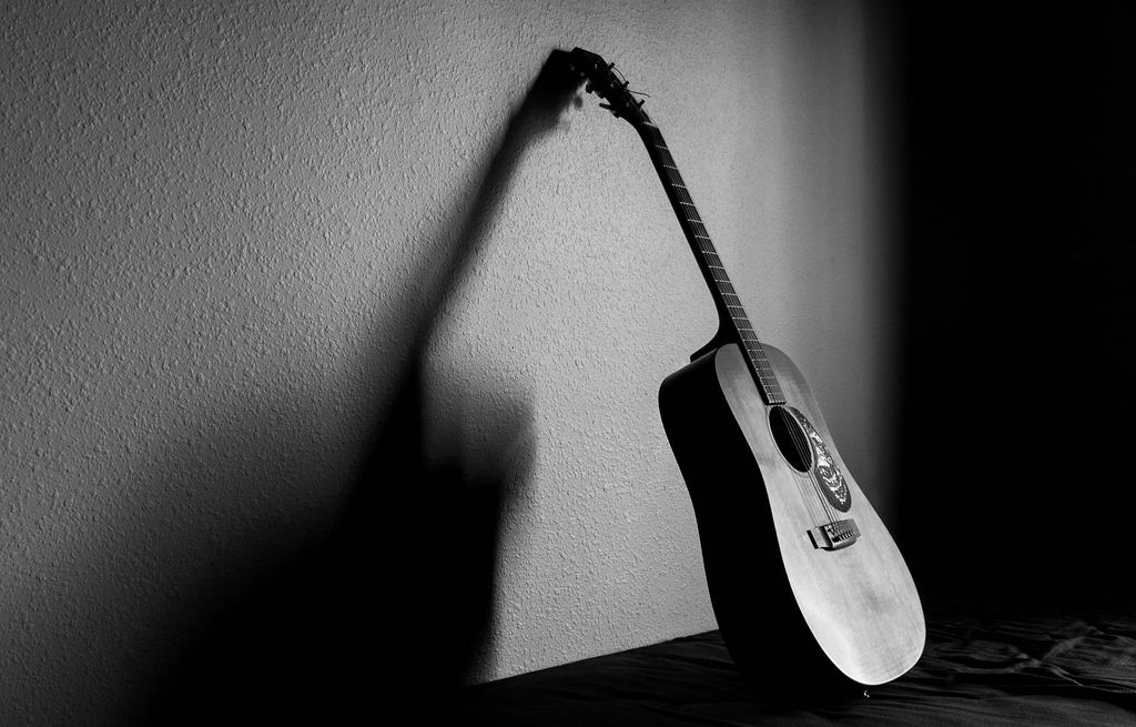 ITAP of my friend's guitar http://ift.tt/2iurG25