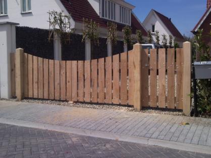 Landelijk houten hek schutting poorten hekwerken trellis pinterest hek poorten en - Latwerk houten ...