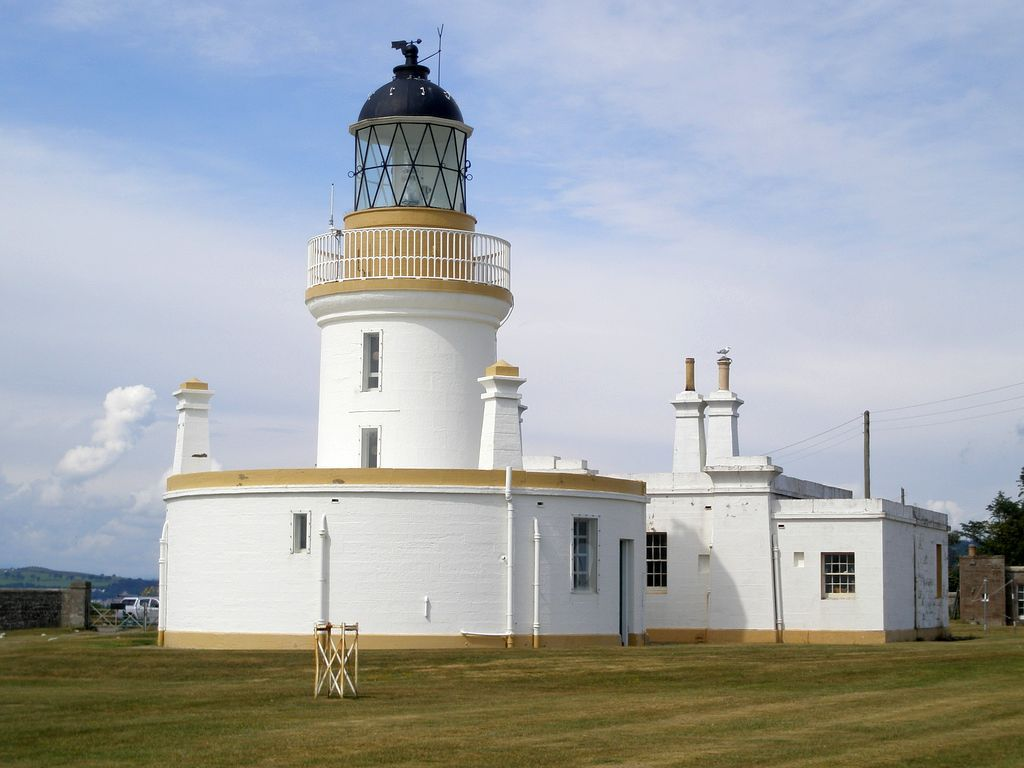 Chanonry Point (Scottish Gaelic: Gob na Cananaich) lies at the end of Chanonry Ness, a spit of land extending into the Moray Firth between Fortrose and Rosemarkie on the Black Isle, Scotland.