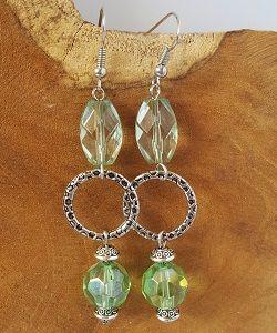 Mooie zilveren met groene oorbellen!