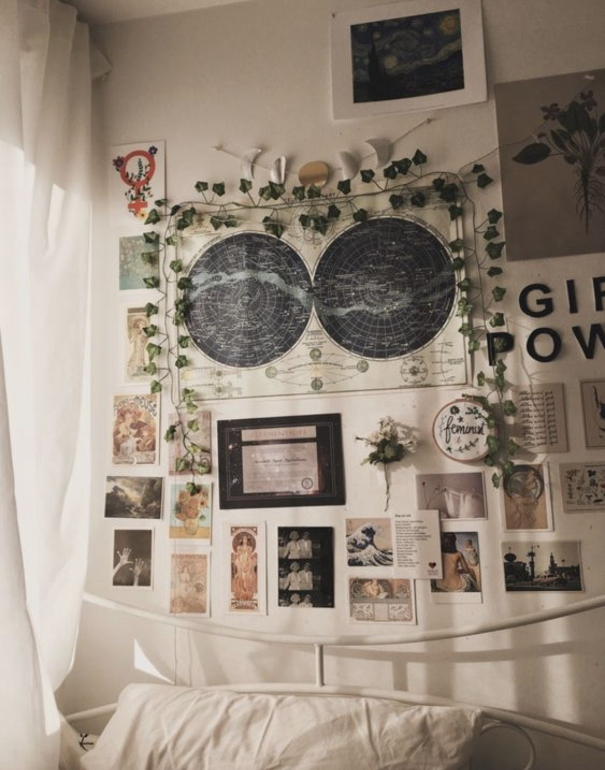 Picture Wall Ideas For Bedroom Vsco Novocom Top