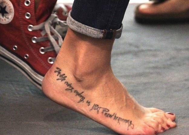 Melissa satta tatuaggio sul piede tatuaggi tattoo for Tatuaggi sul piede scritte