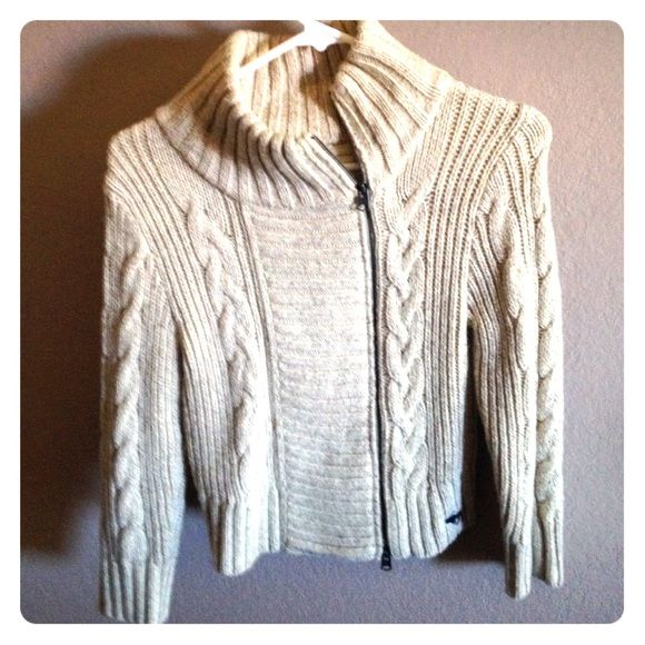 Abercrombie knitted sweater- size medium Abercrombie knitted sweater. Size medium. Color- cream/ beige women sweater. Great condition no stains or holes. Abercrombie & Fitch Sweaters Cardigans