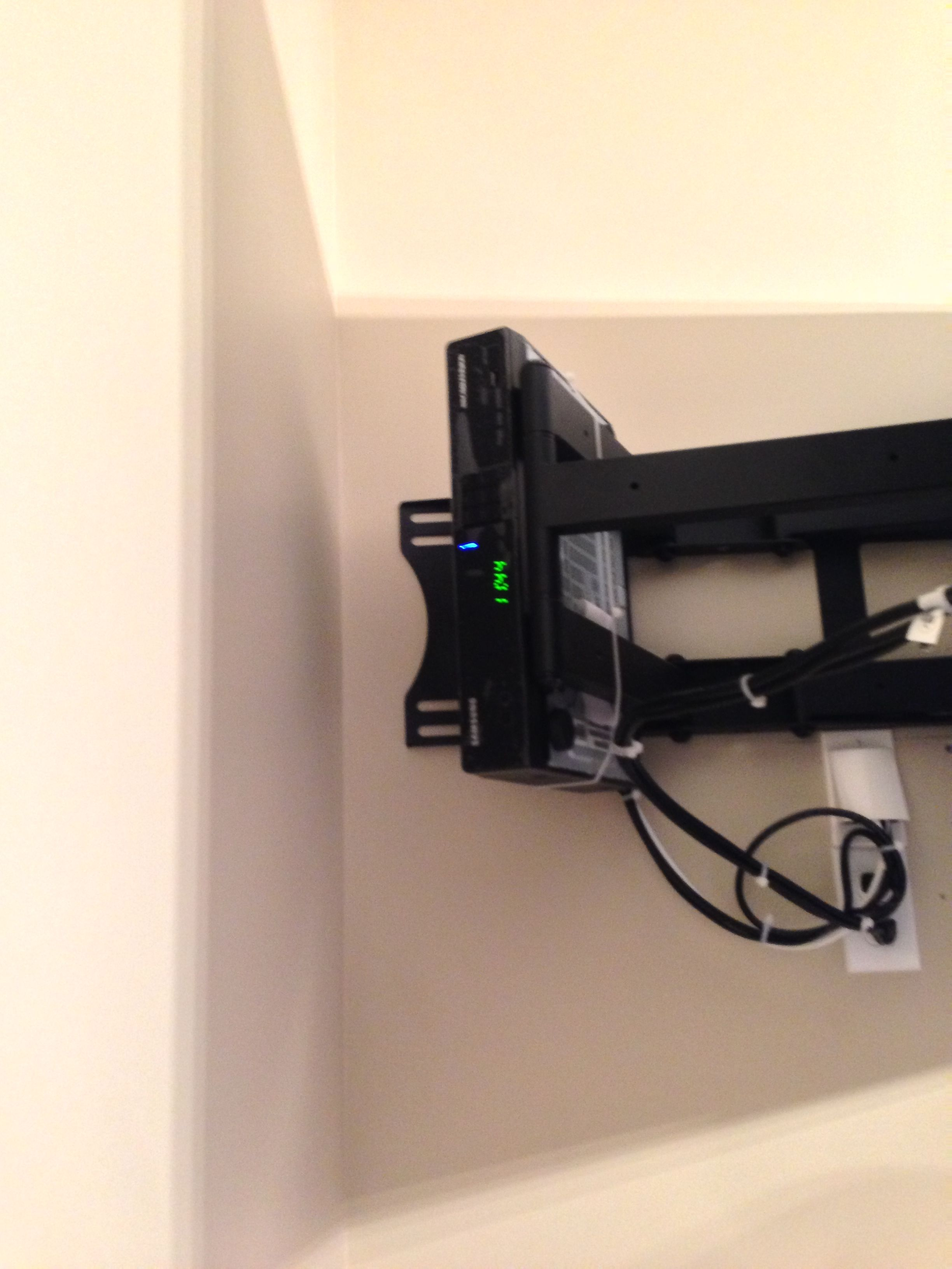 Cable Box Zip Tied To Your Tv S Wall Mount Nice Space Saver