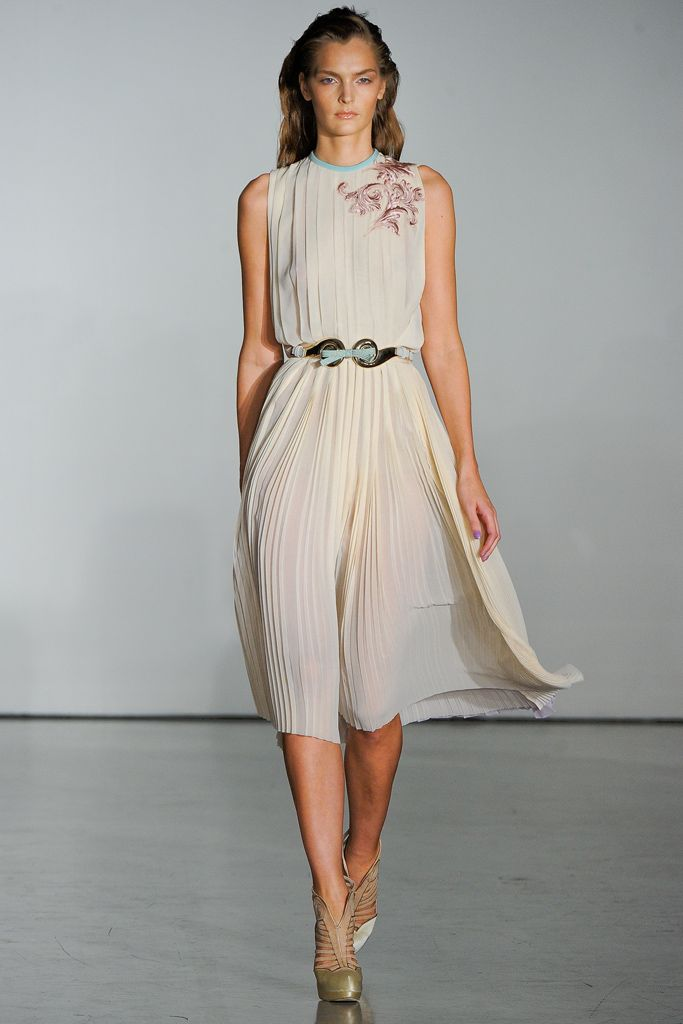 Aquilano.Rimondi | Spring 2012 Ready-to-Wear Collection | Style.com