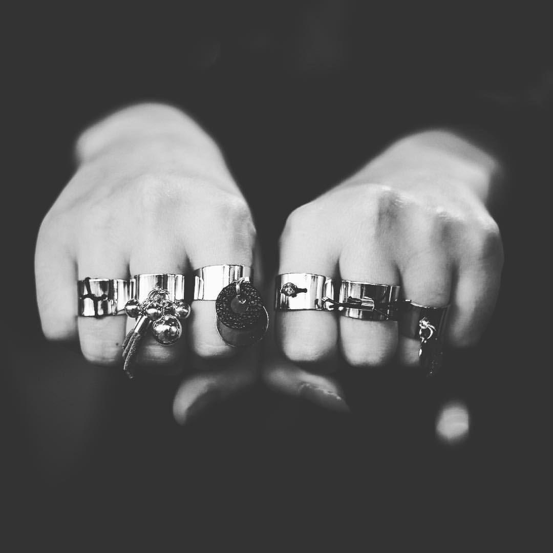 Regardez cette photo Instagram de @janesneakpeak • 75 J'aime