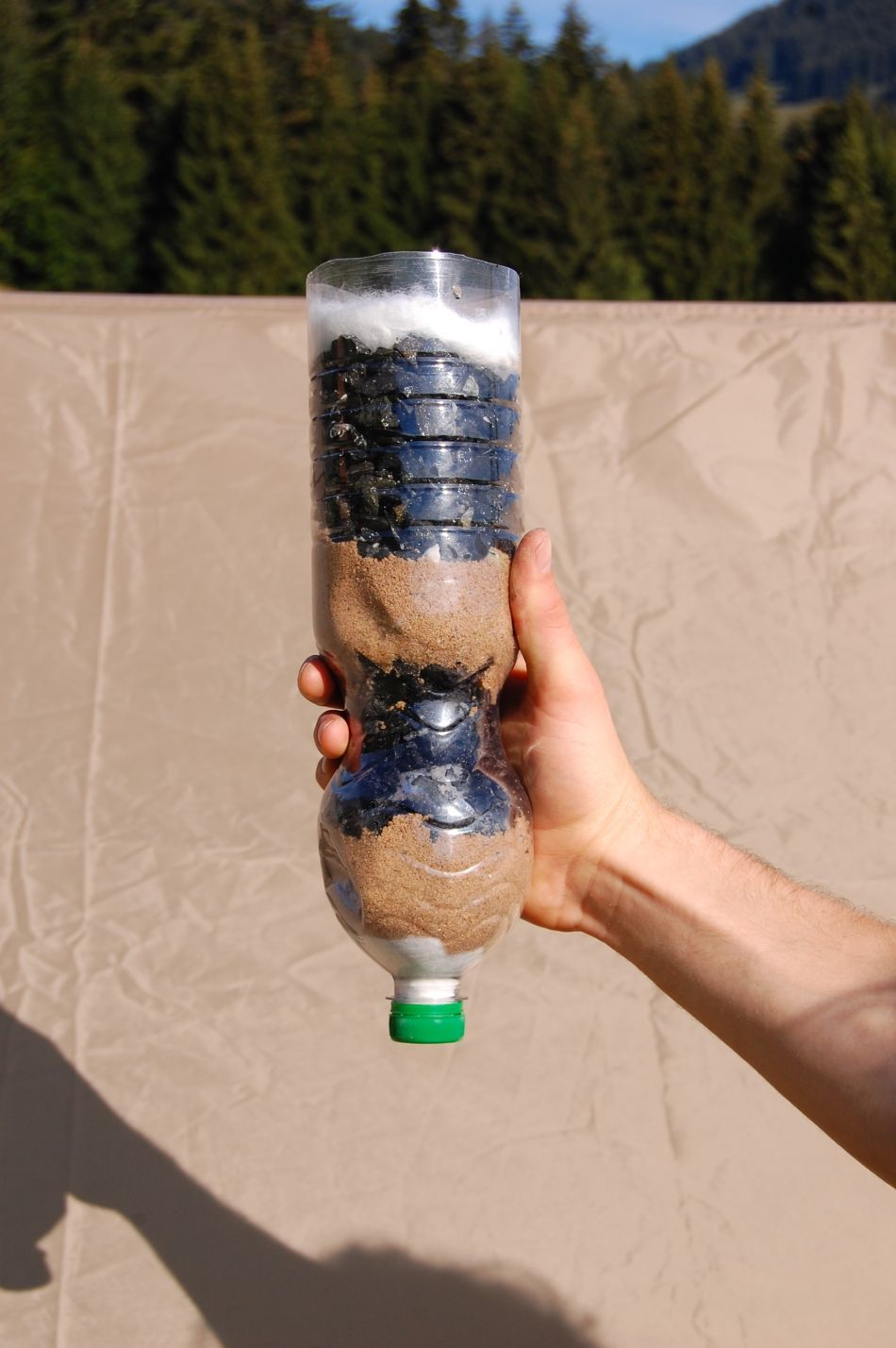 Wichtiger als Essen ist sauberes Trinkwasser. Hier sieht man sehr ...
