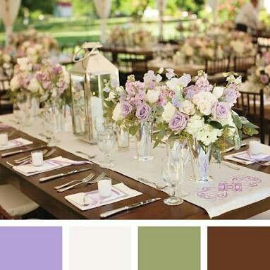 Decoração lilás, creme, verde e marrom e a paleta de cor.