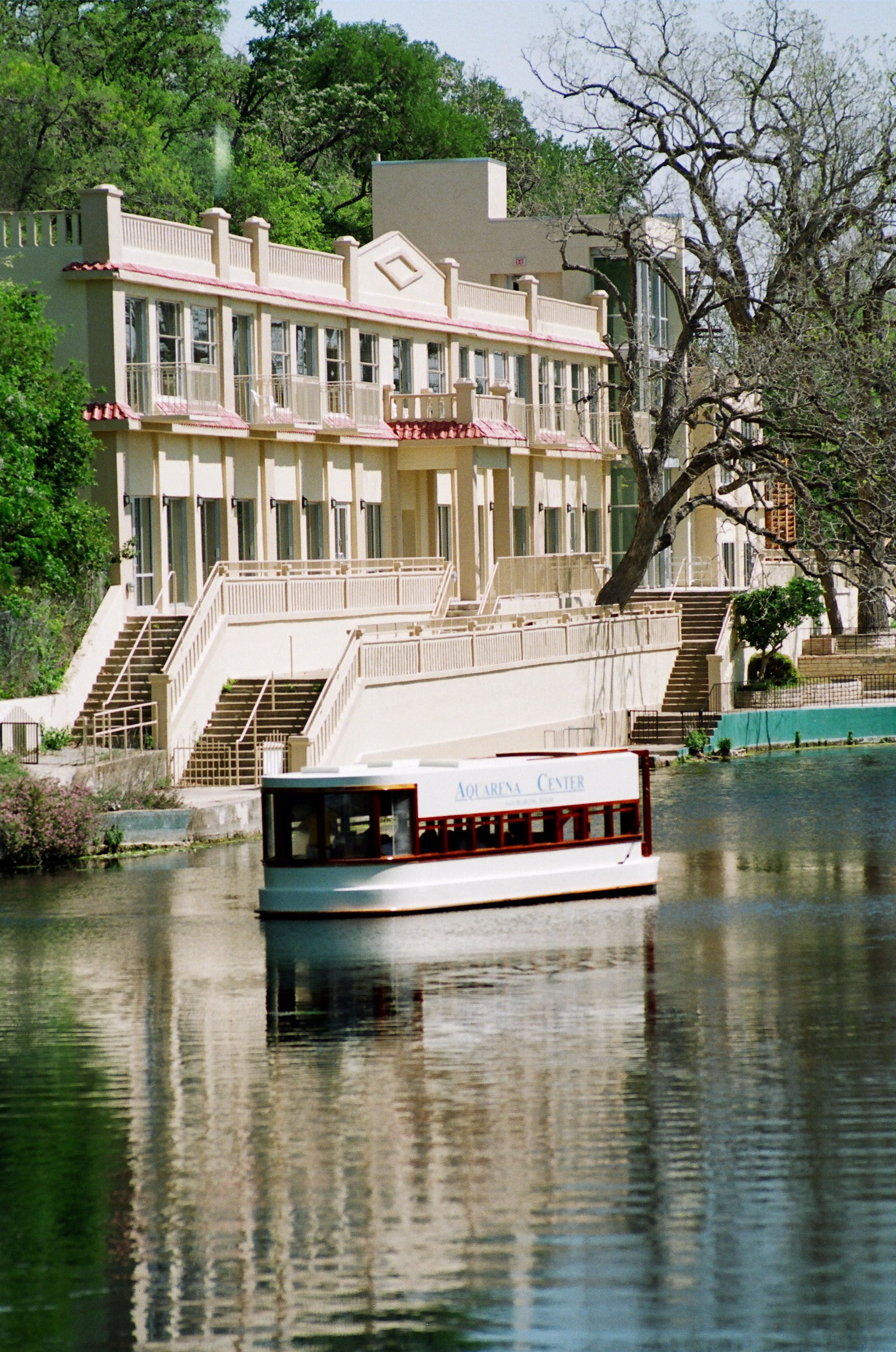Aquarina Springs - the former hotel and glass bottom boats