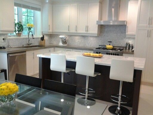 Best Grey Kitchen With Yellow Accents 640 x 480