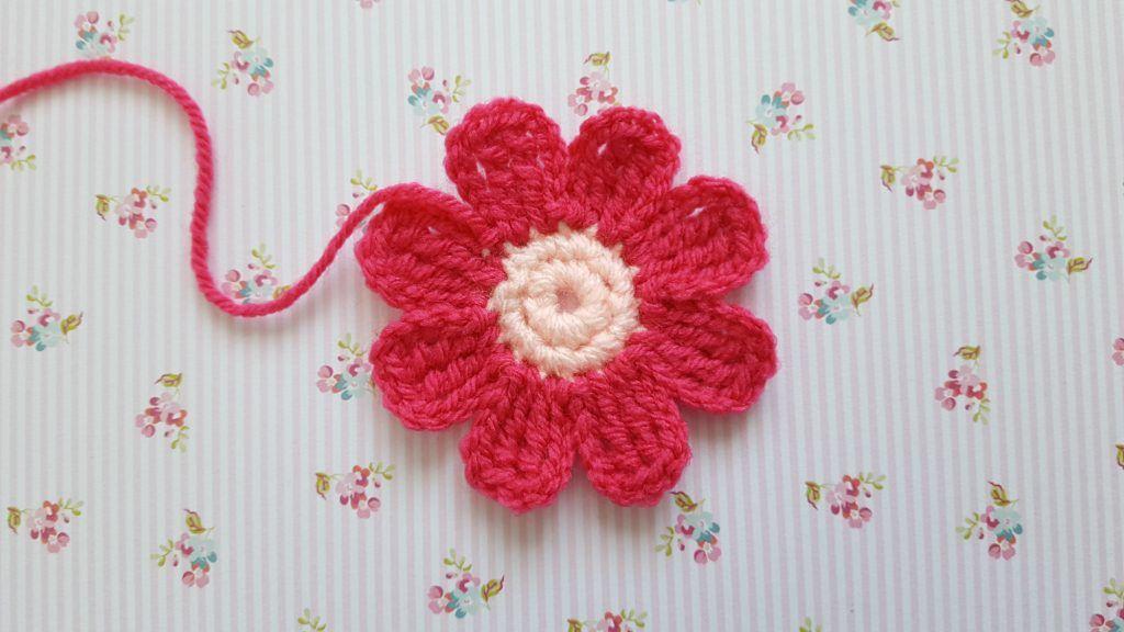 Beste Eenvoudige roze bloem haken, gratis patroon van Knitkids KN-43