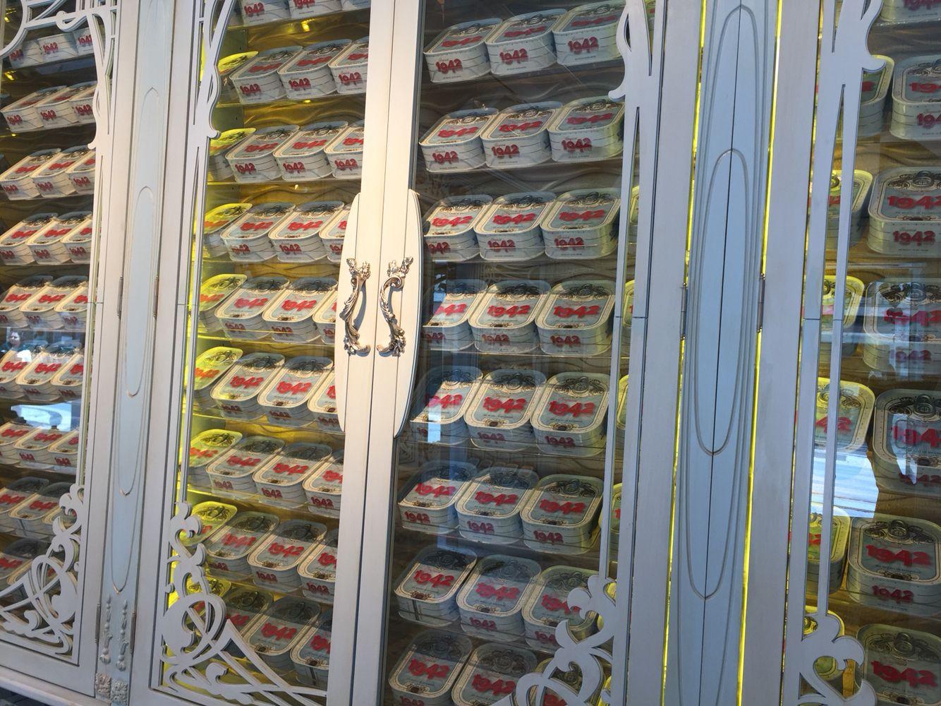 Lisbon pilchard shop