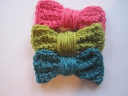 Crochet Spot » Blog Archive » Crochet Pattern: Pretty Pretty Bow - Crochet Patterns, Tutorials and News