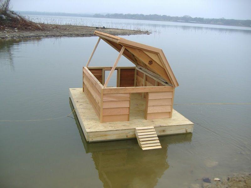 Source Http 1 Bp Blogspot Com Yisw1x1af2k Uwwaxv Si0i Aaaaaaaaan0 Fdw3gaobhk S1600 Custom Floating Duck Hous Duck House Duck House Diy Insulated Dog House