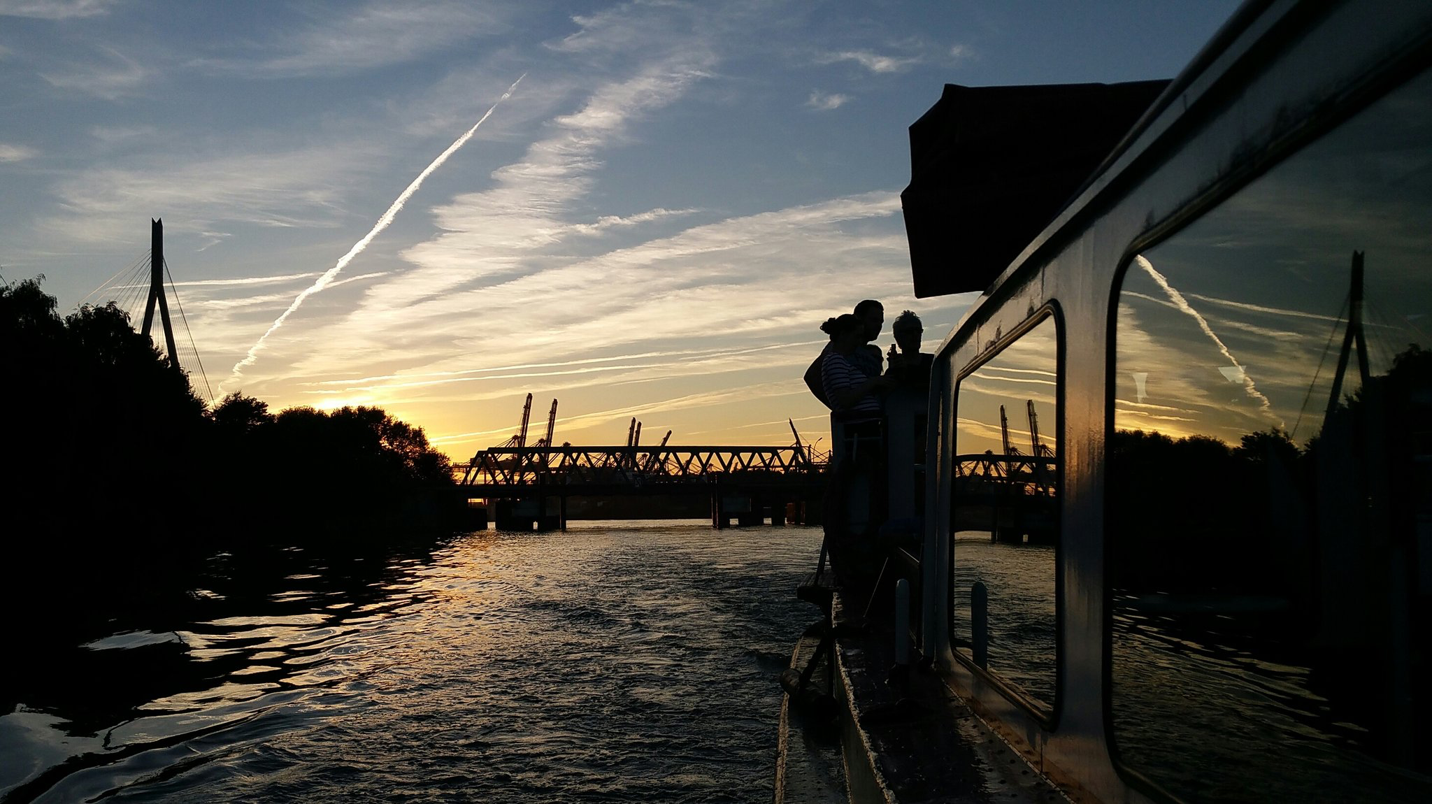 #Hamburg #Elbe #Sonnenuntergang #sunset
