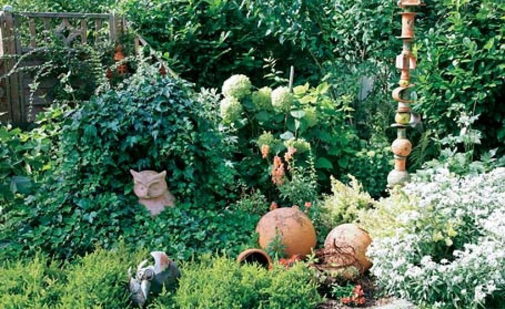 deko ideen f r den naturgarten garten. Black Bedroom Furniture Sets. Home Design Ideas