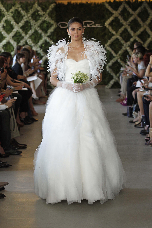 Oscar De La Renta Bridal 2013 Photo By Dan Lecca Nupcial Inspiracion Para Boda Vestidos De Boda De Otono