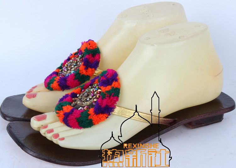 Pakistani Indian Nepal Roman Leather Hand Made Embroidered Slippers Sandals  Kolhapuri Chappal Women Flip Flops with Sequins e08a5b5936f2
