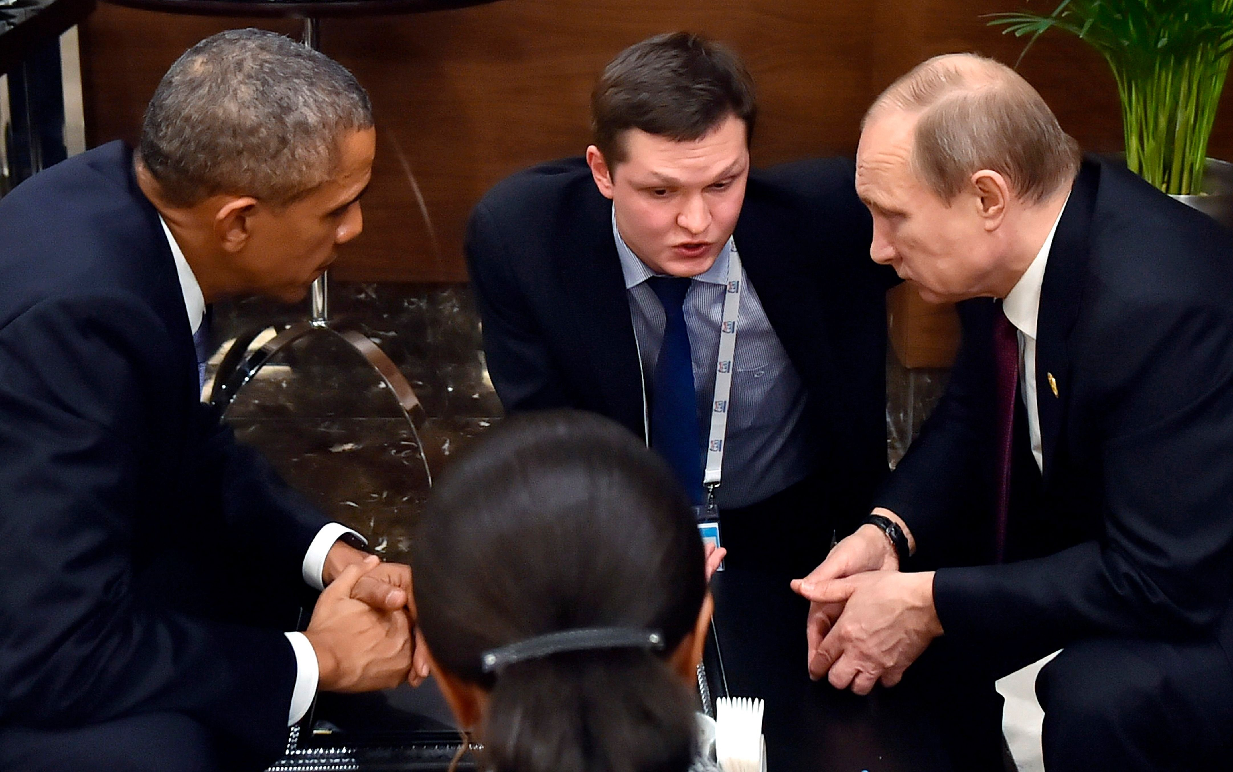Obama and Putin meet for talks in aftermath of Paris attacks