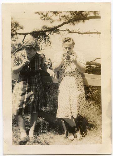 Relato: http://www.nosotrosquepareciamostanfelices.blogspot.com.es/2012/10/siempre-he-admirado-mi-hermana-beth.html
