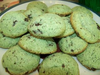 Ginny's Low Carb Kitchen: Mint Chocolate Chip Cookies