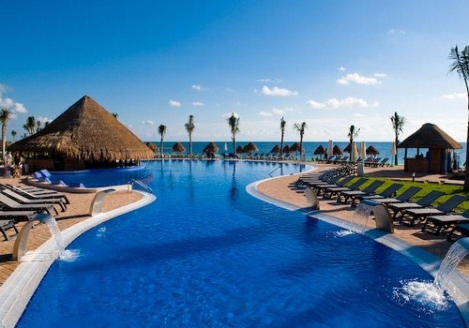 Construcci n de piscinas para hotels y grandes complejos for Construccion de piscinas en mexico