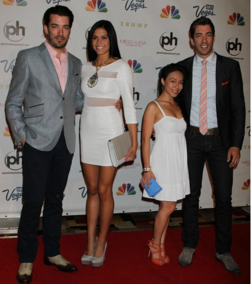 drew scott with their girlfriends property brothers tv