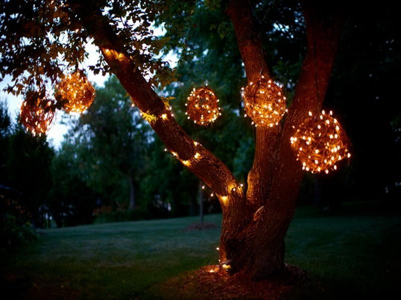 Outdoor Lighted Spheres 21 christmas outdoor decorations ensure it makes a visual impact 21 christmas outdoor decorations ensure it makes a visual impact workwithnaturefo