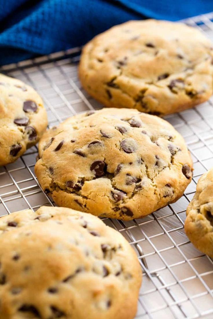 Bakery Style Chocolate Chip Cookies Are All The Rage These Giant Soft Thick Warm Cookies Are