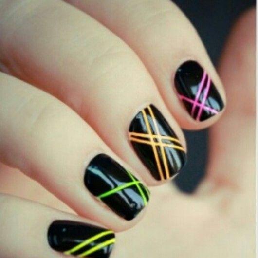 Nails! #Fashion #Style #Stylish #Glam #Glamour #Glitz #Shine #Nails #Nailart #Color #Edgy #Edge #Creative #Lines