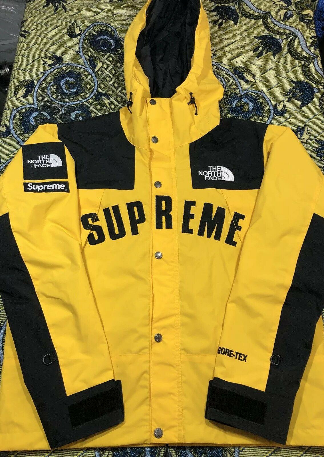 The North Face X Supreme Gortex Jacket Yellow Sz Small Deadstock Sold Out Rare Ideas Of The North Face Thenorthface Ropa [ 1597 x 1135 Pixel ]