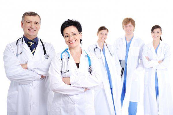 В Минтруде назвали самые востребованные специальности 2017 года http://actualnews.org/exclusive/160266-v-mintruda-obyavili-samye-vostrebovannye-specialnosti-2017-goda.html  Минтруд объявил, что в этом году без особых проблем смогут трудоустроиться специалисты в области юриспруденции, врачи и научные сотрудники. Несладко же, наоборот, придется людям, имеющим дело с документами, управленцам, профессионалам в бизнес-отрасли, ведь для них количество вакансий сократится.