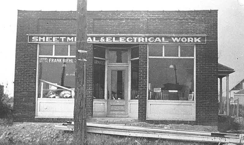 Looking Back The Sheetmetal Building Building Roseville Great Lakes