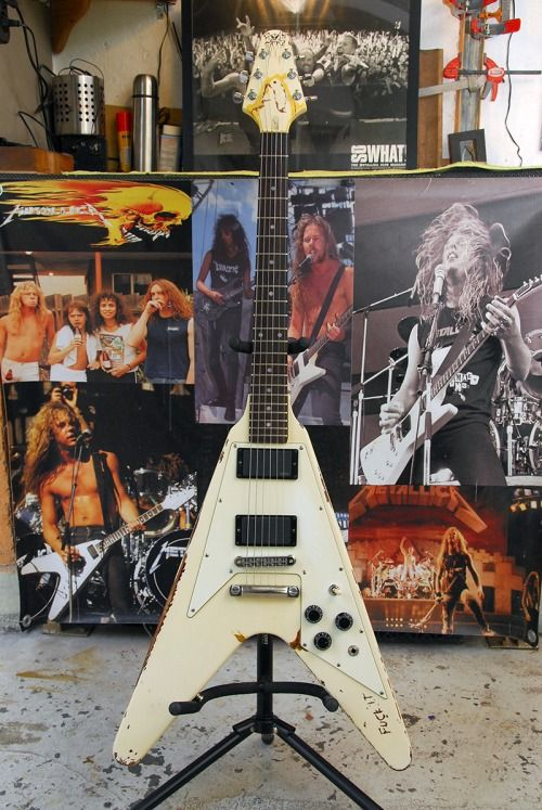 metallica metallica pinterest metallica guitars and james hetfield. Black Bedroom Furniture Sets. Home Design Ideas