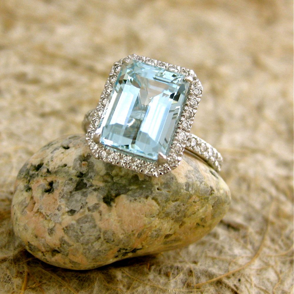 Sky Blue Green Aquamarine Engagement Ring in 18K White Gold with Diamonds  Size 6