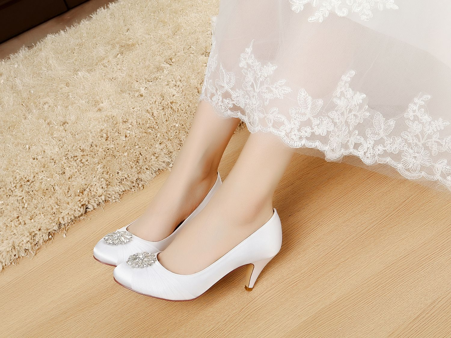 6599f1cad21 satin bridal shoes rhinestone wedding shoes low heel dress shoes for women  Comfortable silver wedding shoes Unique Design Low Satin   Lace Shoes for  Wedding ...
