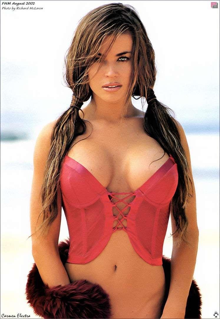 russia perky boobs gif