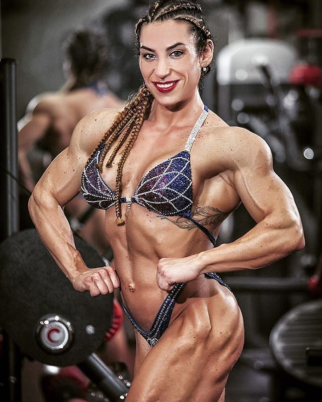 #musclegirls #womenmuscle #womenpower #womenbodybuilding #workout #powerlifting #strongwomen #strong...