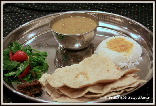 Indian recipes easy to cook indian food recipes vegetarian easy indian food trail is on a culinary journey to khandesh maharashtrian regional cuisine everyday vegetarian thalis replete with khandeshi recipes forumfinder Choice Image