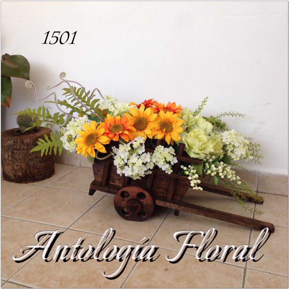 Arreglo de flores artificiales en carreta de madera - Arreglos de flores artificiales ...