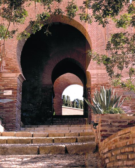 Alcazaba de Almería, España. http://www.costatropicalevents.com/en/costa-tropical-events/andalusia/welcome.html