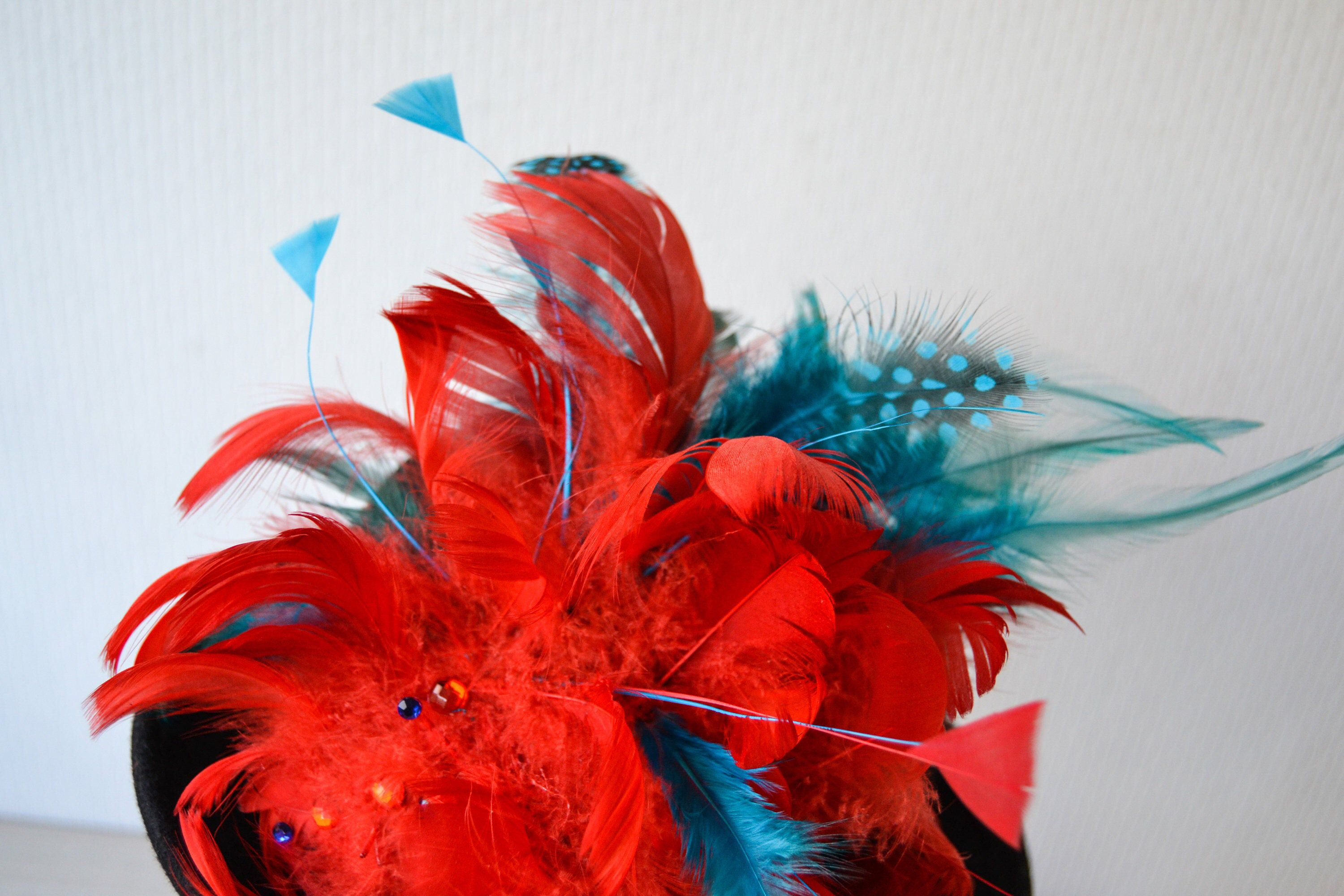 Red Feather Fascinator, Unique Wedding Fascinator, Red Gatsby 20s Style Hair Clip, Handmade Wedding Hair Clip, Cocktail Hat, Hair Accessory #fascinatorstyles