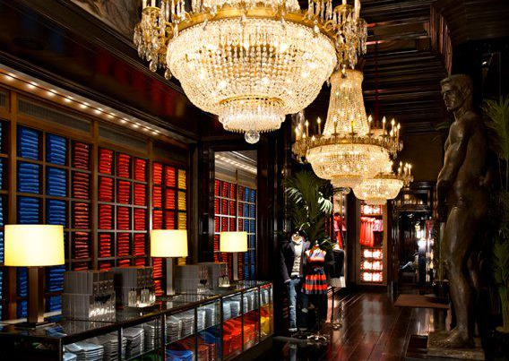 Abercrombie & Fitch Dublin | Luxury store, Retail design ...