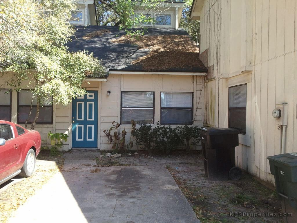 1845 Nekoma Ct Tallahassee FL 32304 This is a very