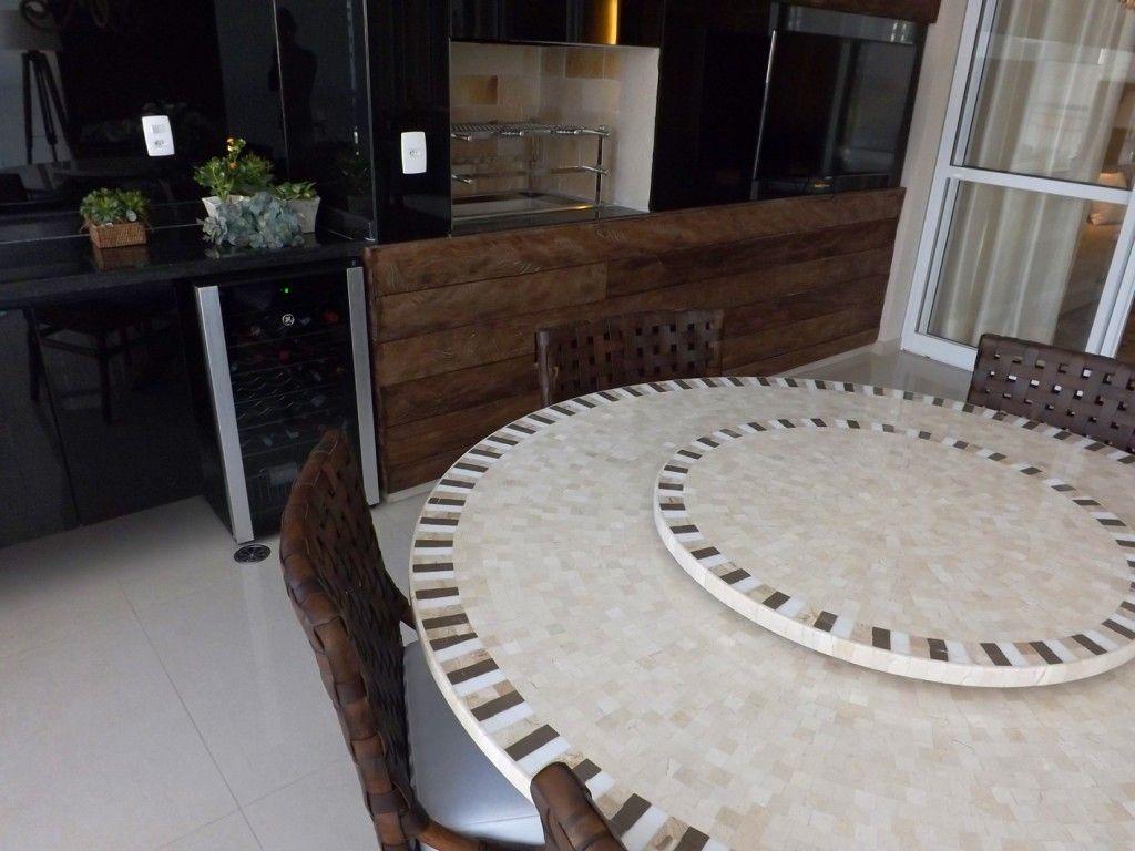 Varanda gourmet painel em madeira de demoli o for Mesas de mosaico