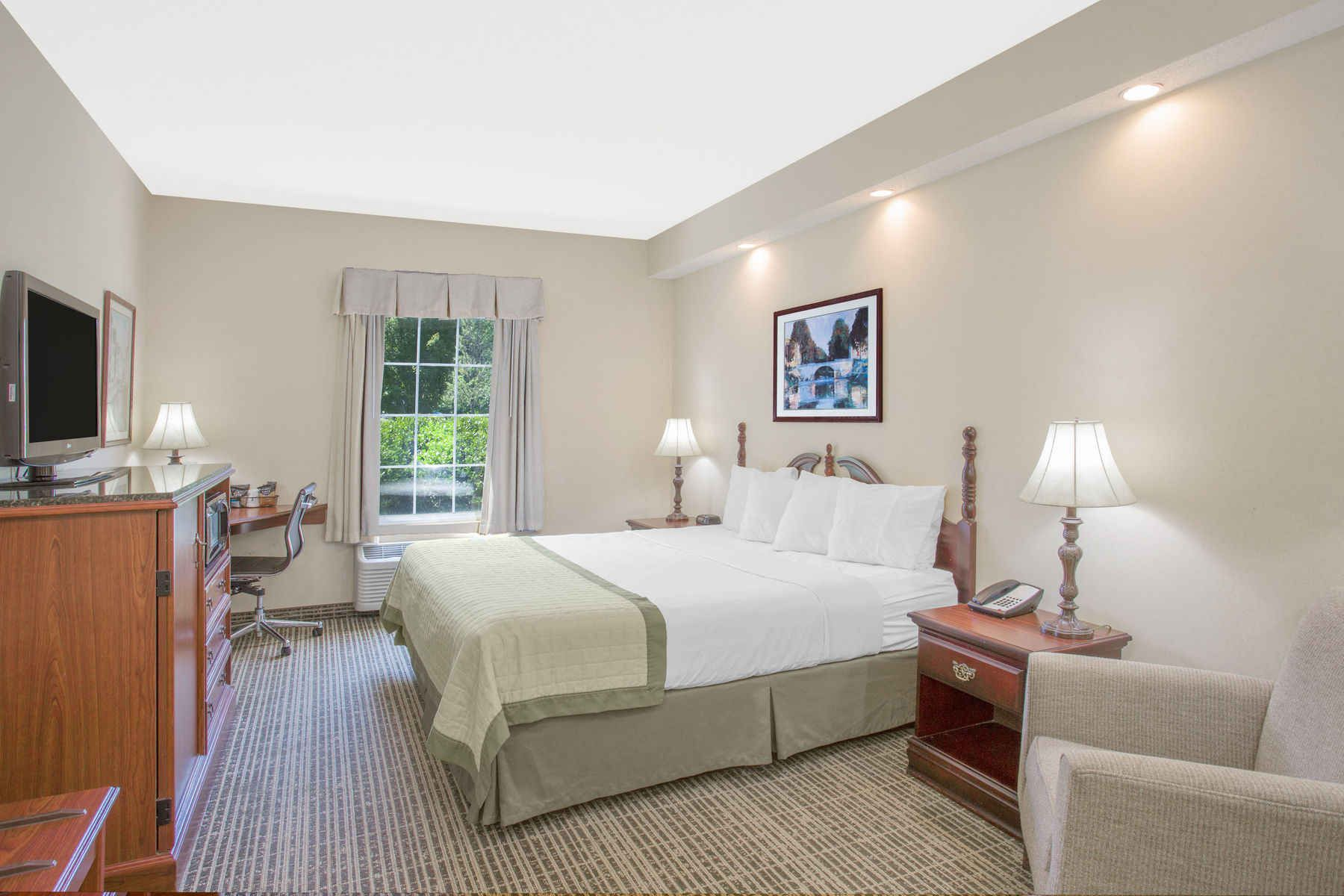 Book Pet Friendly Hotel In Martinsville Va Near Sdway Features Free Breakfast Wifi Meeting