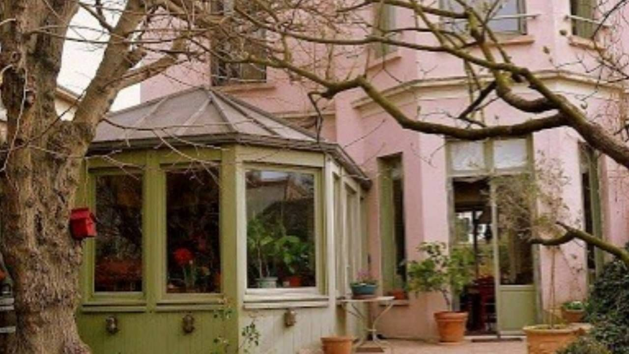 Character House with Romantic Garden in Paris, France - YouTube ...