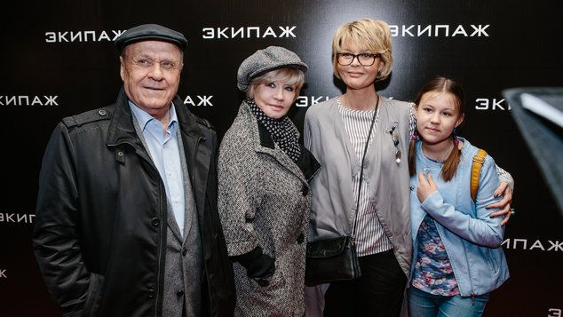 Владимир Меньшов, Вера Алентова, Юлия Меньшова с дочерью